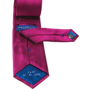 krawatte-mit-logo