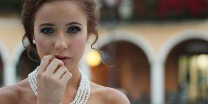 Schritt 5 – Styling und Frisur für die Braut